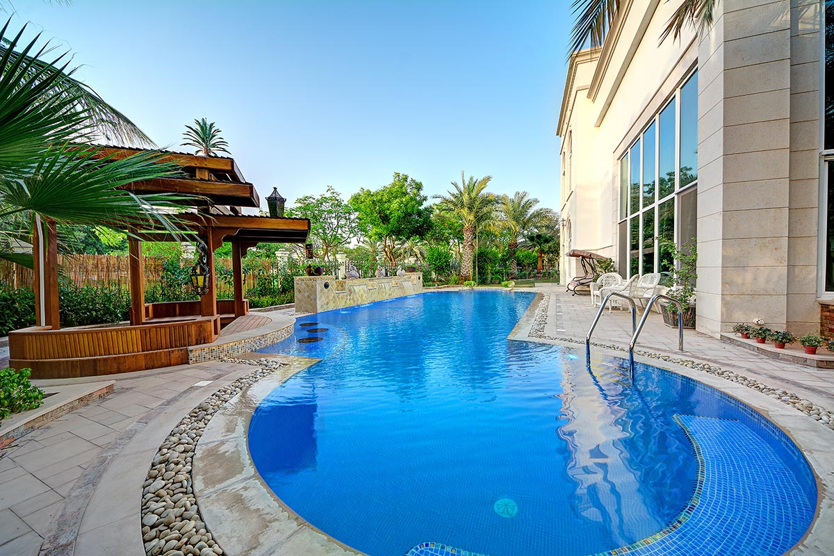 Pools r us dubai gallery swimming pool in dubai pool for Pool design dubai